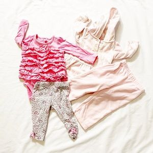 3 for $20 🔥 Two Baby Outfits Size 6M